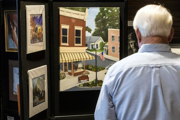 Many styles of painting could be found at the 5th Annual Fall Arts Show in La Grange. 11/13/16