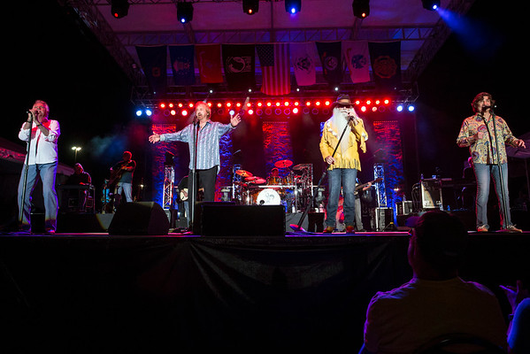 Country Music Hall of Fame group The Oak Ridge Boys played for the 41st consecutive time at the Kentucky State Fair on Sunday night. 8/21/16