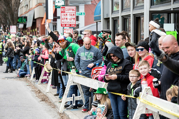 Revelers lined the sidewalks along Baxter Avenue on Saturday for the 44th St. Patrick's Parade. 3/11/17