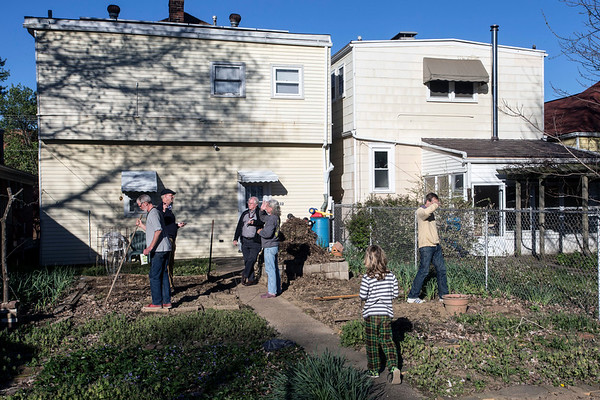 Neighbors in Deer Park have combined efforts to grow food and push eco-friendly methods to help the environment. 4/7/17