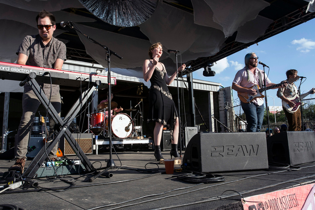 Local favorites Nellie Pearl take to the stage for a day two performance at Poorcastle Festival. 7/8/17