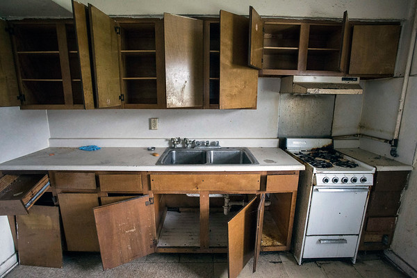 A kitchen in a New Albany Housing Authority's William O. Vance  unit is prepped for another tenant. 9/20/17