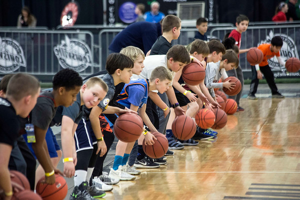 A dribbling clinic attracted dozens of basketball fans during Sports Fest. 1/7/18