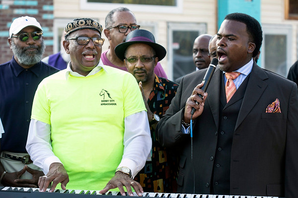 Rev. Derrick Miles of the Greater Friendship Baptist Church opened a prayer service in song on Tuesday night near the murder site of Bennie Berry on 32nd Street. 8/28/18