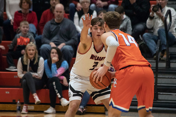 Silver Creek battled New Albany on Friday night. 1/18/19