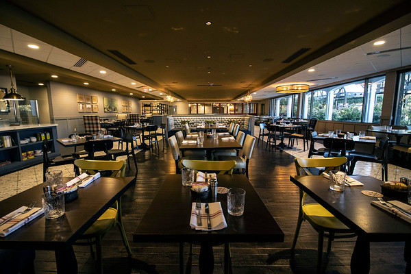 Walker's Exchange at the Galt House Hotel features several dining rooms with tables ranging from 2-person cafe style to traditional banquet size. The restaurant offers views of and entry from the adjacent Belvedere Plaza. 11/6/19