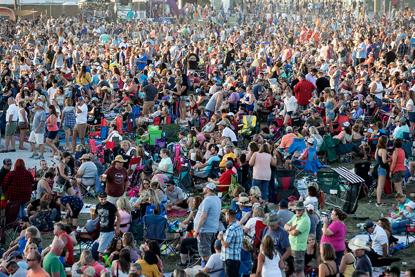 Fans packed into the Highland Festival Grounds at the Kentucky Expo Center on Saturday for day one of Hometown Rising. 9/14/19