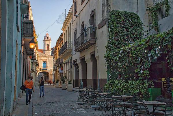 Calle San Ignacio, near Plaza de la Catedral