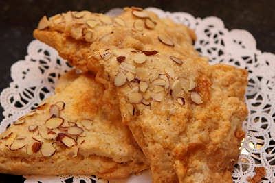 4n20 Blackbirds-jlb-almond scones-0942f