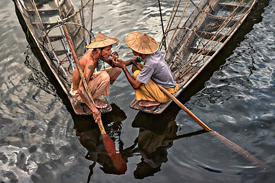 Smoking brake at Inle Lake