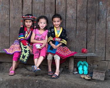 3 Hmong princesses, Laos