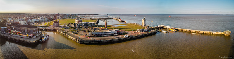 Cuxhaven Hafen (4pics 8770x2333px)