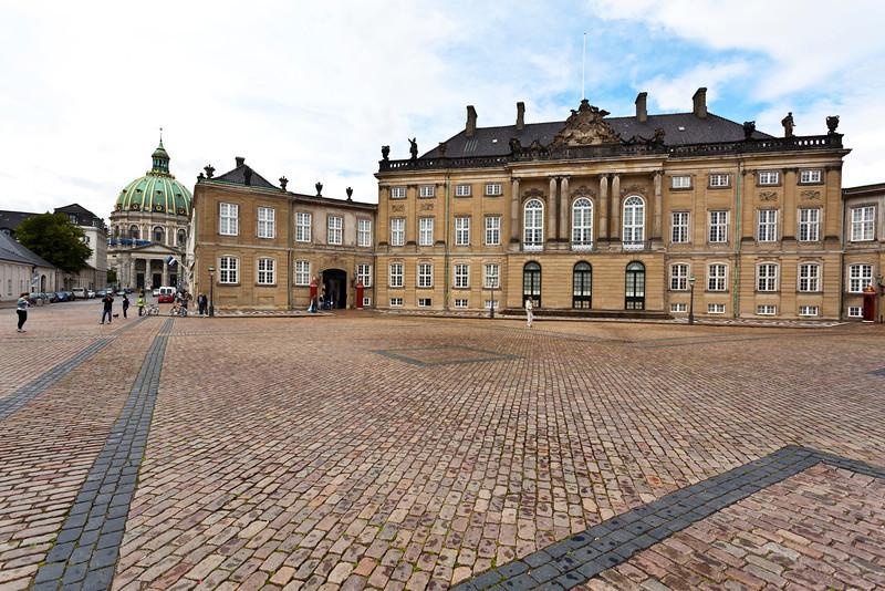 COPENHAGEN. AMALIENBORG ROYAL PALACE. AMALIENBORG PLADS. [2]