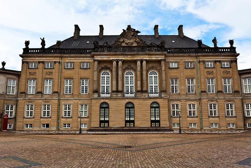 COPENHAGEN. AMALIENBORG PALACE. (LEVETZAU'S PALACE).