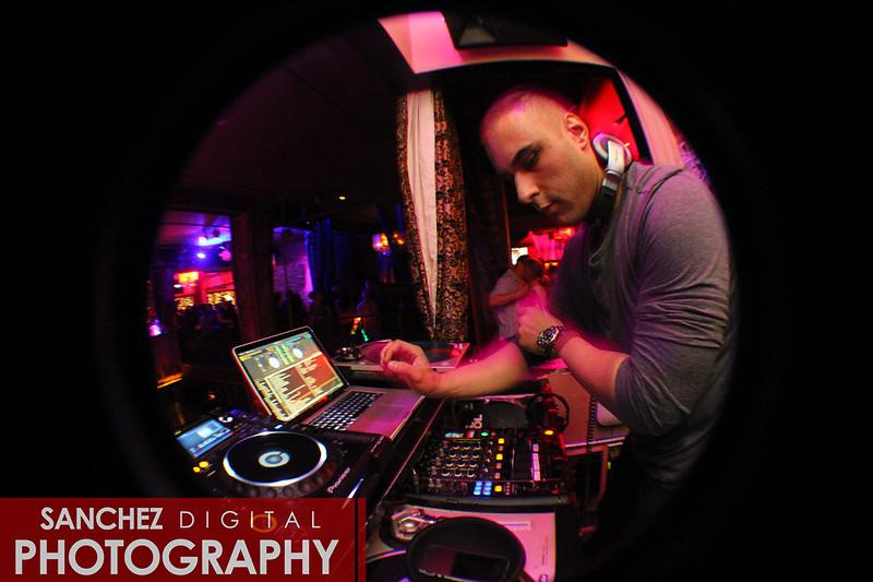 DJ YONNI MEL