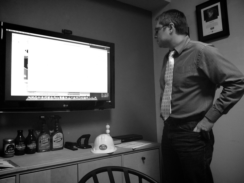 Day 022 -AZ contemplates a strategy for a new client like a General in the war room. You can be sure whatever he decides, it will be mind-blowing. -SEPTEMBER 27