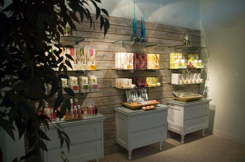 danville_04a_081_upper lobby