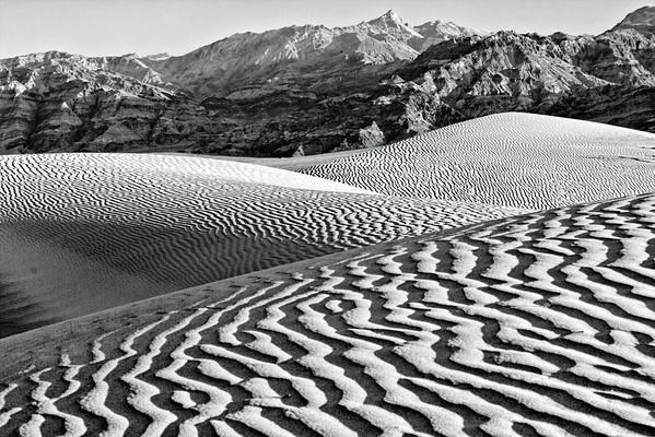 B&W Dunes