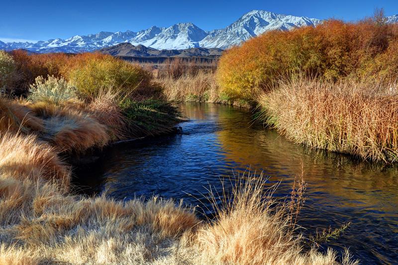 Owens River And Eastern Sierra Nevada Mountains - California