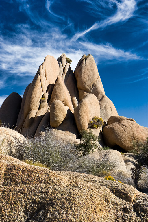 A dramatic monzogranite rock formation at Jumbo Rocks in Joshua Tree National Park, California.