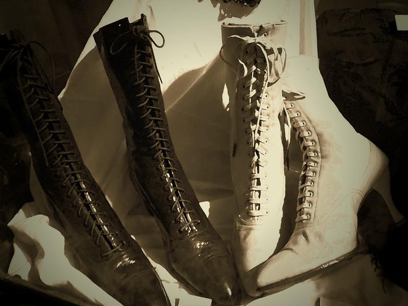 Boots Sepia