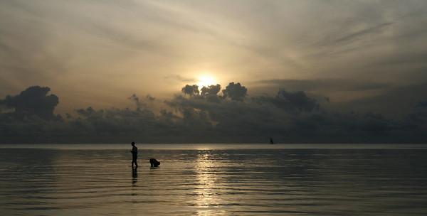 Fishermen, Pongwe Beach, Zanzibar Island, Tanzania, Africa, 2007