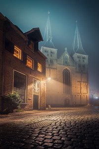 Deventer Bergkerk in de Mist