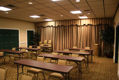 Country Inn & Suites conference room