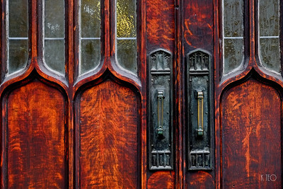 Metropolitan United Church Door