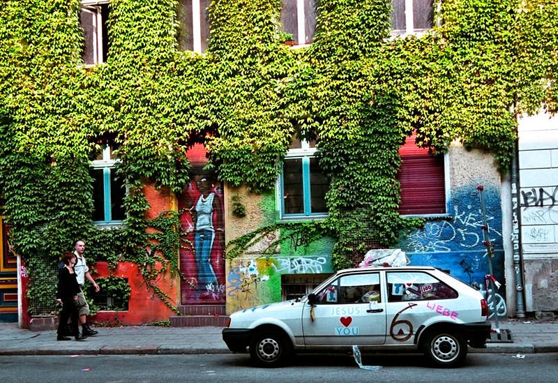 Berlin, strange street scene