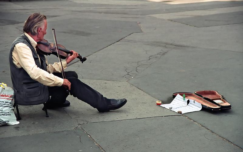 Budapest, street musician
