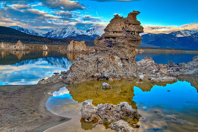 Snowcap mountains behind the Tufas on Mono Lake