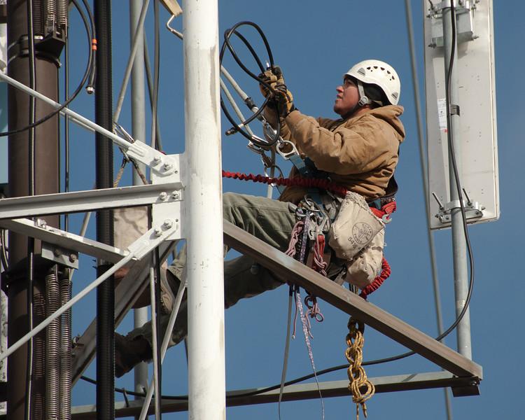 Installing telecom antennas