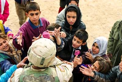 Al Tash refugee camp, Ramadi, Iraq. 2 January, 2005.