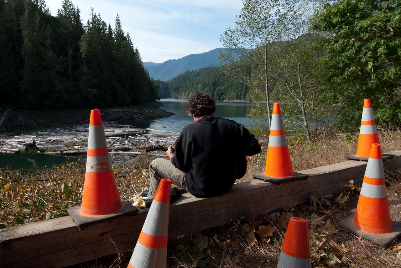 Musician, September 17, 2011, Dam Breaking Day, Elwha Dam, Washington.