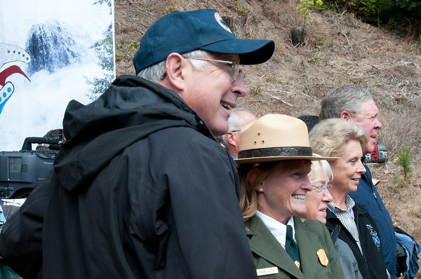 Interior Secretary Ken Salazar counts down first scoop of Elwha Dam to come out, September 17, 2011.