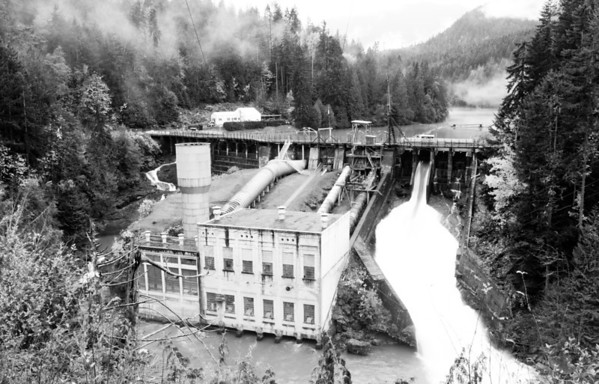 Elwha Dam and Lake Aldwell, Washington.