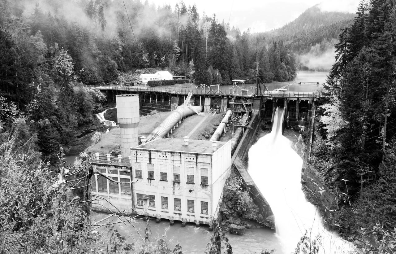 Elwha Dam and Lake Aldwell, Washington.