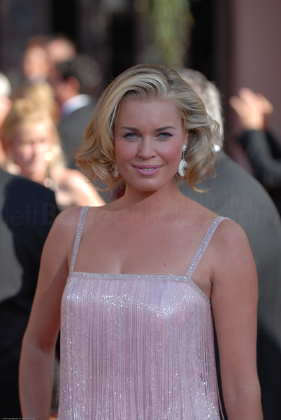 Rebecca Romijn on the red carpet at the Emmys -  Ugly Betty
