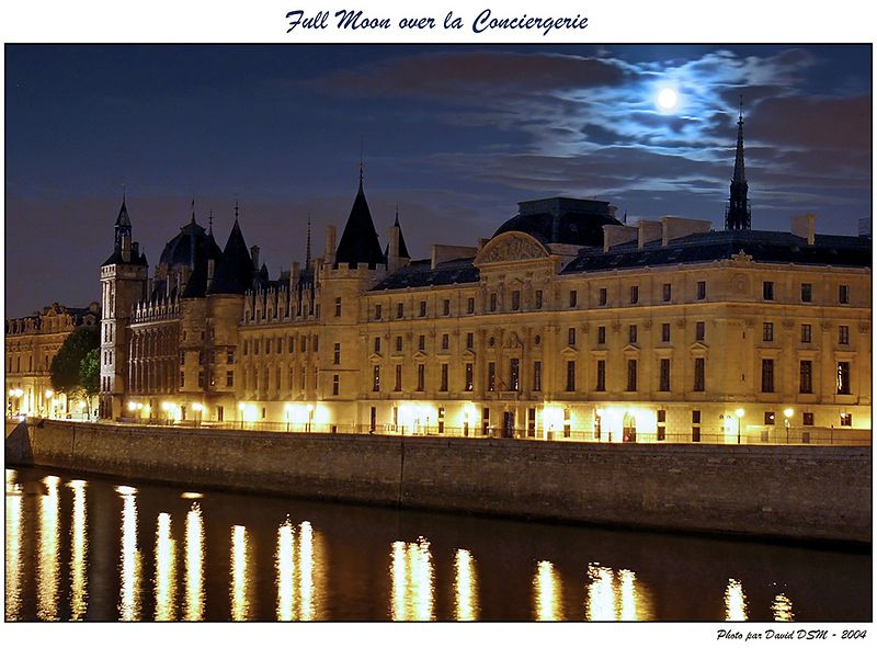 Full Moon over la Conciergerie