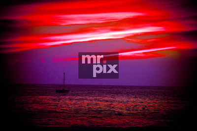 Red Sky at Night on Kailua-Kona. Environment, Landscapes - shooting images on the big island