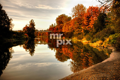 Fall on the Snoqualmie River - enviroment and landscape photography by Michael Moore - MrPix.com