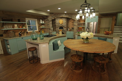"HGTV's ""Elbow Room"" -  Episode #303"