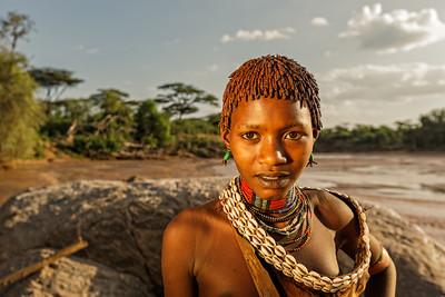 Young Hamer Woman at the Keske river crossing (Turmi, Ethiopia)