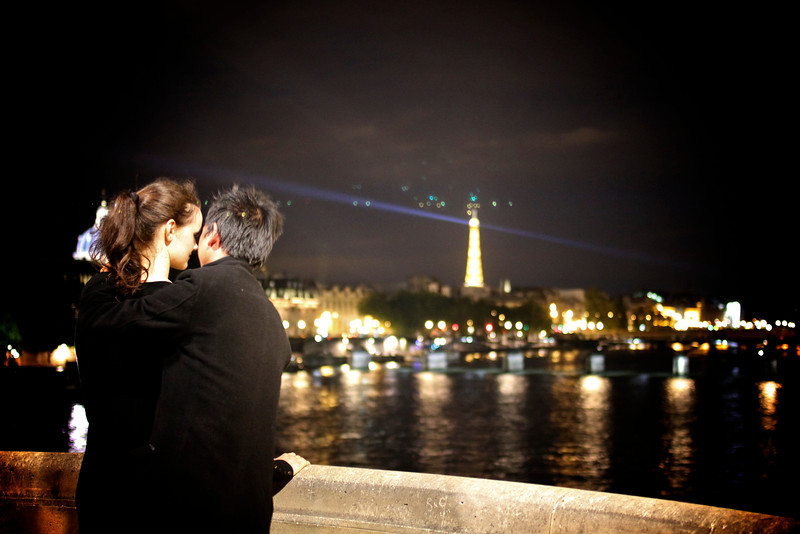 Le baiser du Pont Royal, Paris, France (2011) © Copyrights Michel Botman Photography