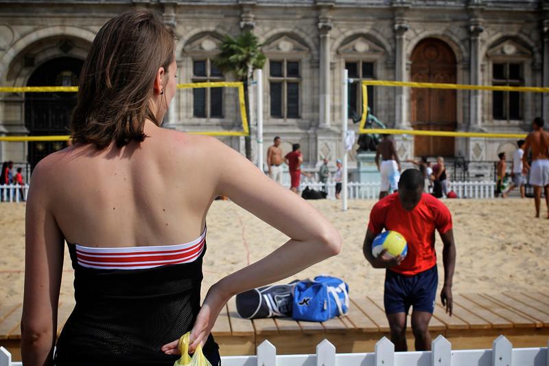 La belle de l'Hotel de Ville, Paris, France (2011) © Copyrights Michel Botman Photography