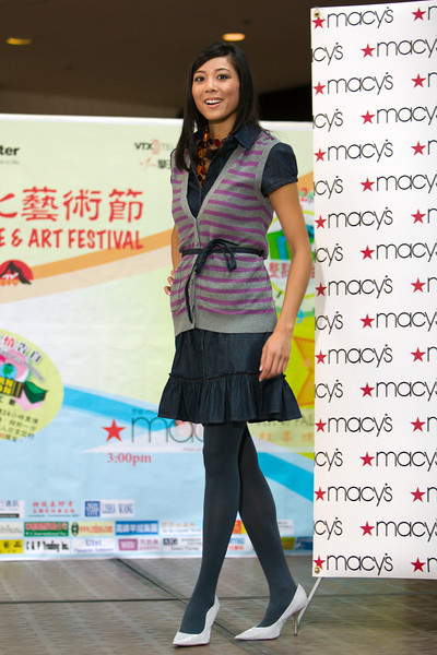 "<A HREF=""http://www.rl-imaging.com/gallery/5905351_WmczR"">EDI 9th Asian Moon Festival 20080906</A>"