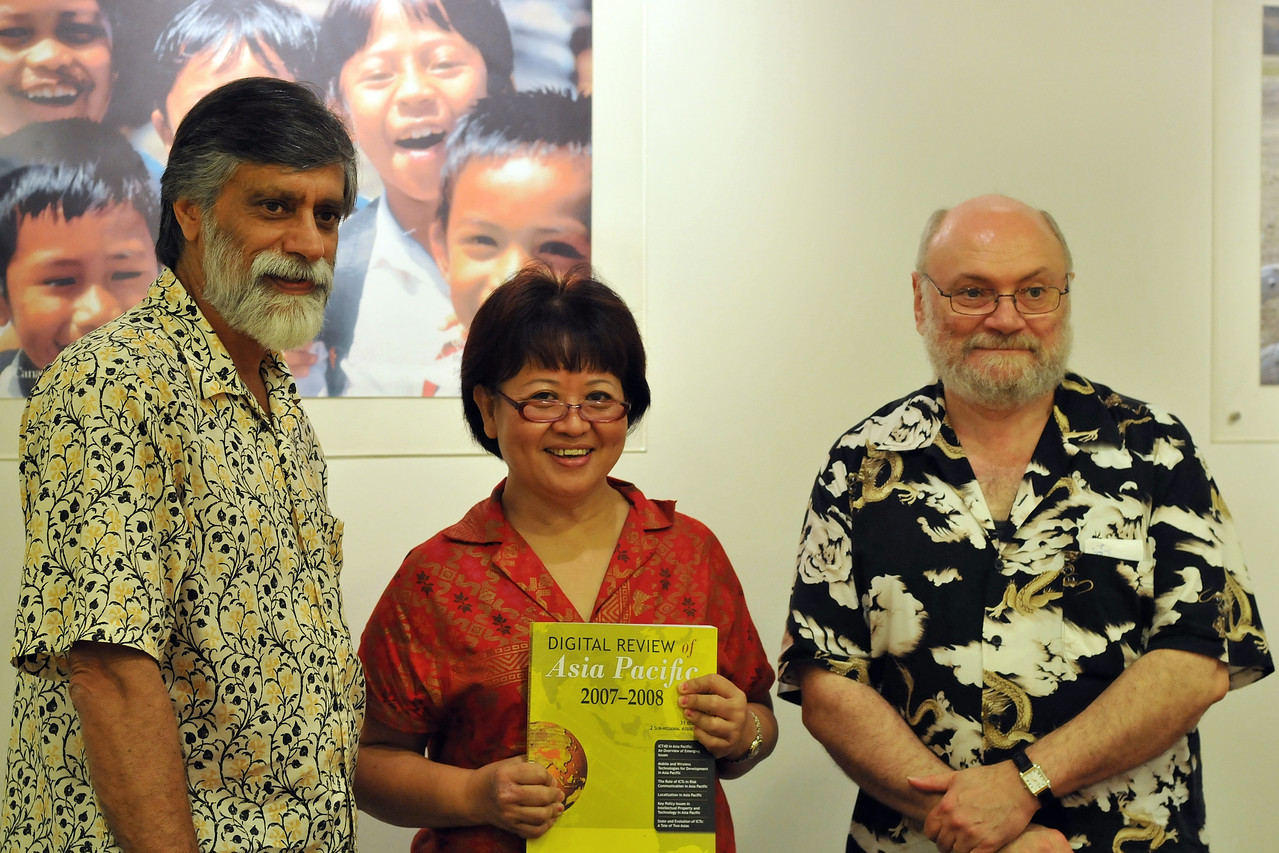 Shahid Akhtar, Maria Lee Hoon, Claude-Yves Charron at the IDRC office in Singapore. The team behind DirAP - Digital Review of Asia Pacific.