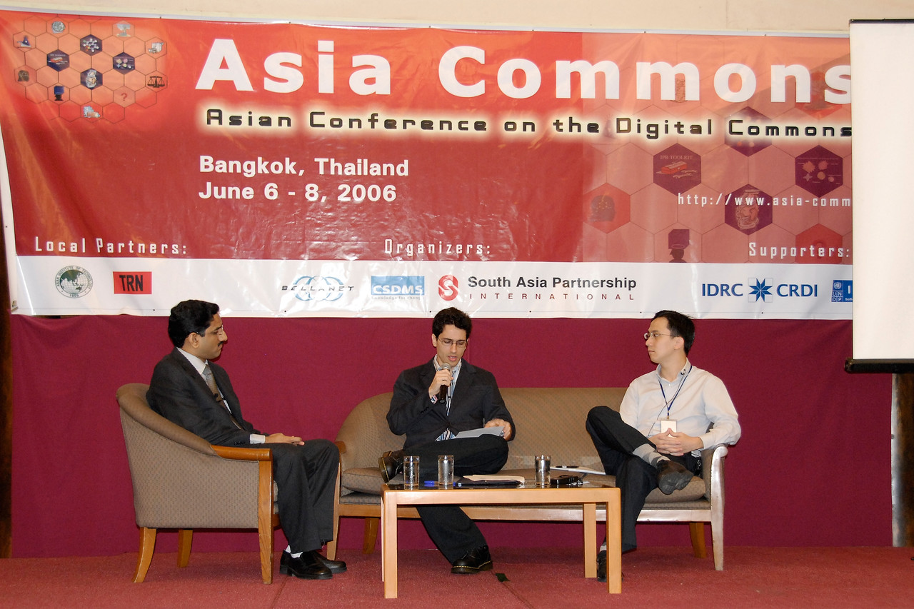 Group discussion at the Asia Commons - Asian Conference on the Digital Commons, June 6-8, 2006, Bangkok, Thailand.