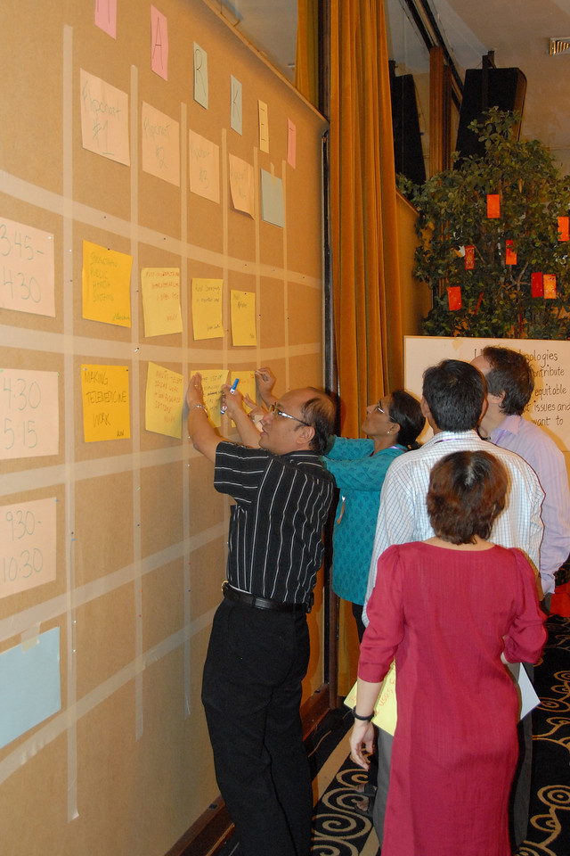 Sending everyone to stick up on the wall at IDRC's PAN Asia R&D Learning Forum organized by AMIC and held on 21-23rd February, 2007 in Singapore.